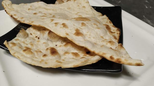 Naan pieces in restaurants