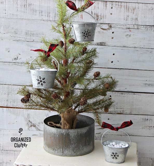 Easy DIY Hobby Lobby Stenciled Galvanized Pail Ornaments #stencil #HobbyLobby