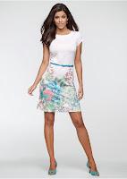 Rochie din tricot cu decolteu rotund și mâneci scurte