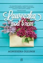 http://lubimyczytac.pl/ksiazka/4641834/laweczka-pod-bzem