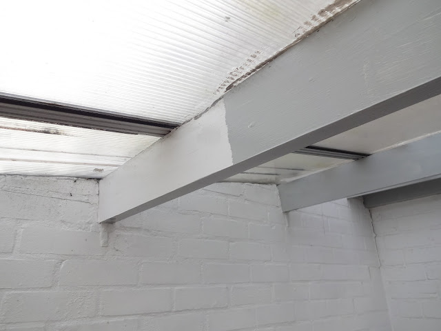 painting beams grey