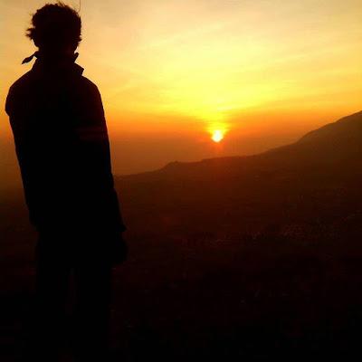 foto sunrise di gunung andong magelang