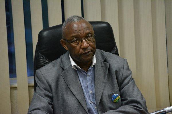 Perezida wa Komisiyo y'Igihugu y'Amatora Prof Kalisa Mbanda mu kiganiro n'itangazamakuru atangaza urutonde ntakuka