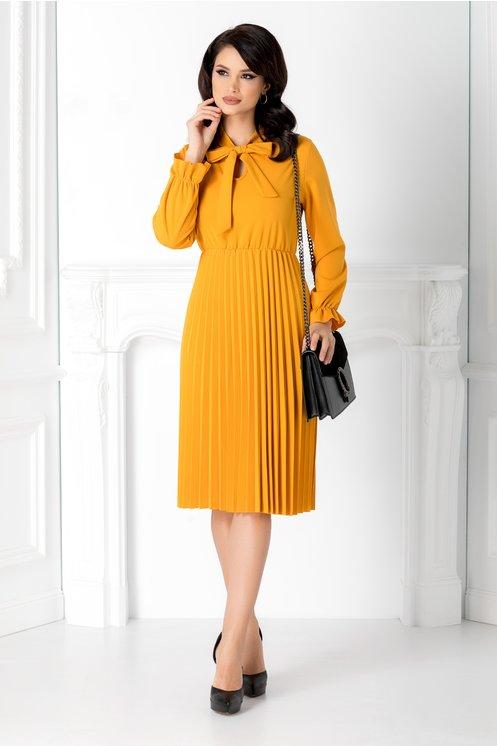 Rochie office eleganta galben mustar midi plisata cu funda la guler