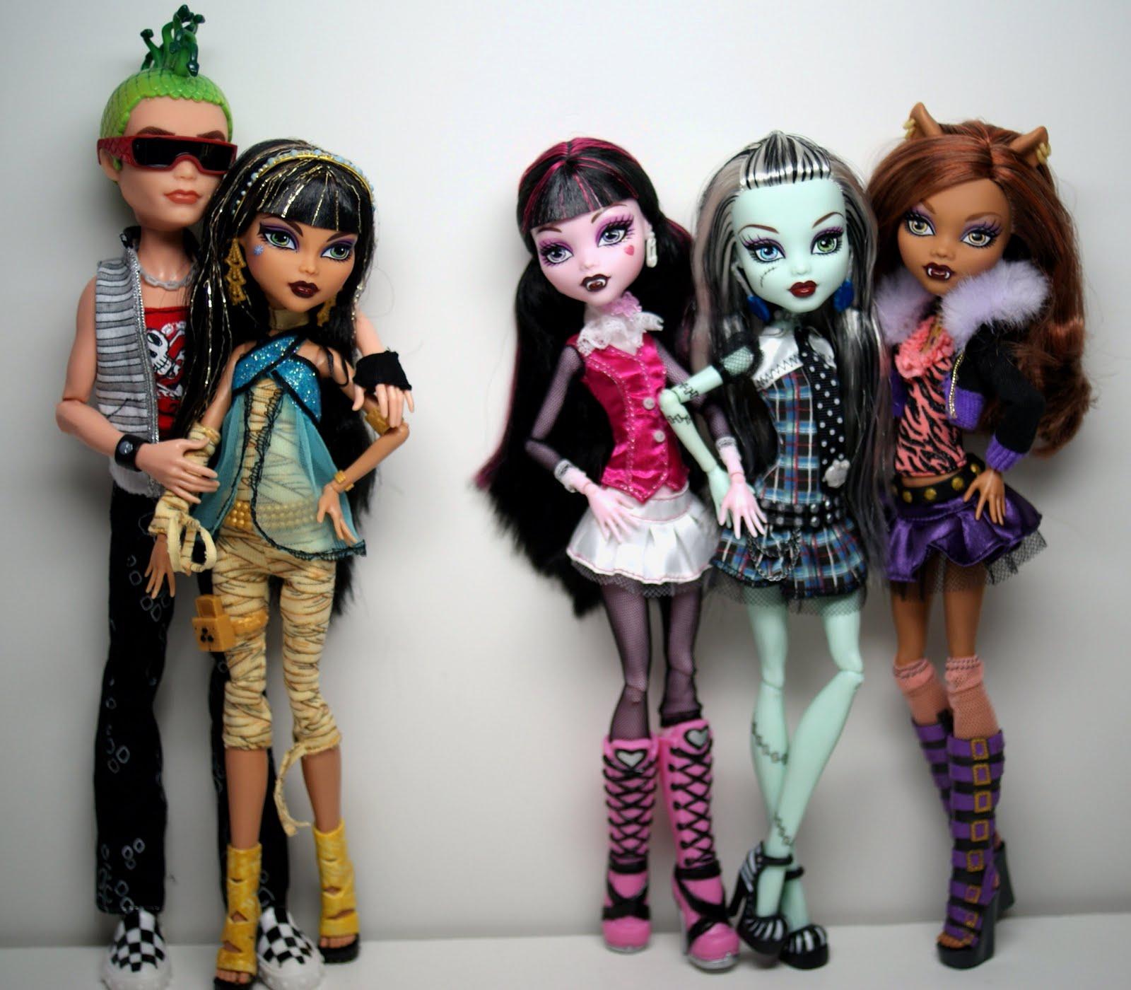 Barbie Monster Vs 3 High