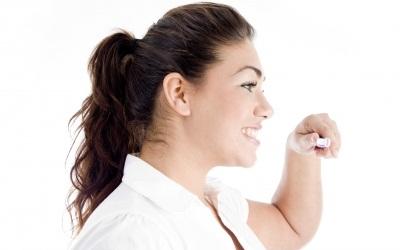 mengatasi bau mulut saat puasa