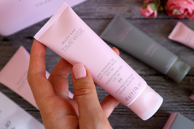 Mary Kay TimeWise Age Minimize 3D Day Cream with SPF 30