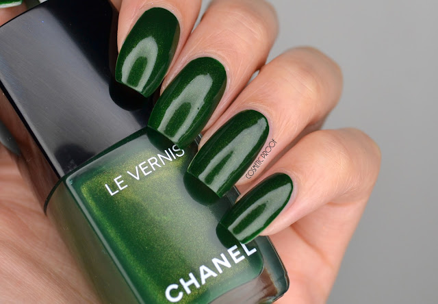 Chanel Emeraude Swatch