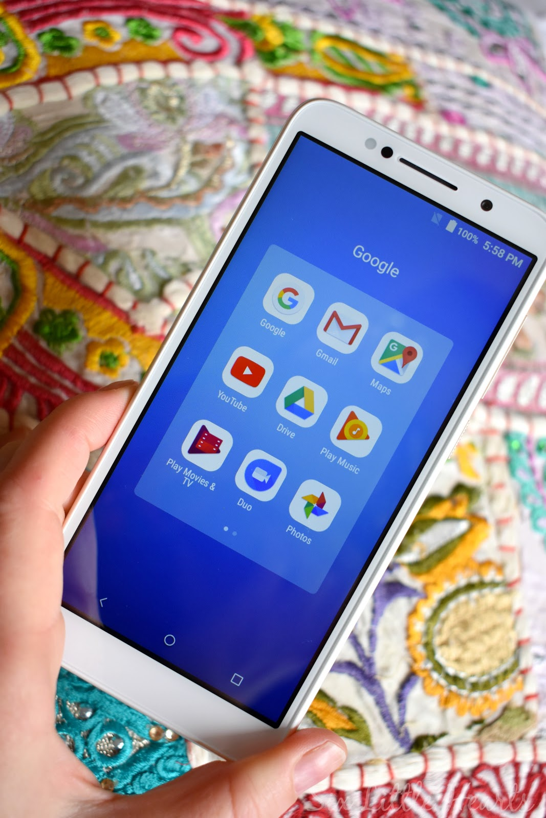 Six Little Hearts: Alcatel 1C Mobile Phone Review And Win An Alcatel