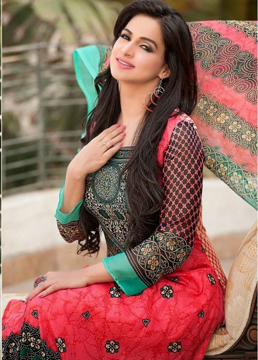 Best Pakistani Girl Wallpapers Free Stars Wallpaper Noor Bukhari Hd Wallpaper