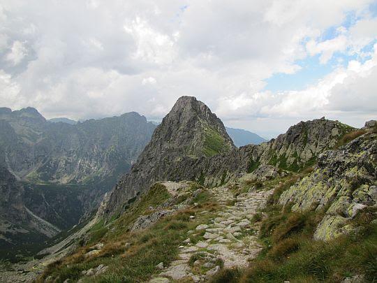 Hruba Turnia (słow. Hrubá veža, niem. Dicker Turm, węg. Vastagtorony; 2091 m n.p.m.).