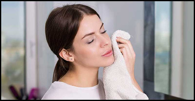 Easy-To-Make All-Natural Facial Cleanser For Younger-Looking Skin
