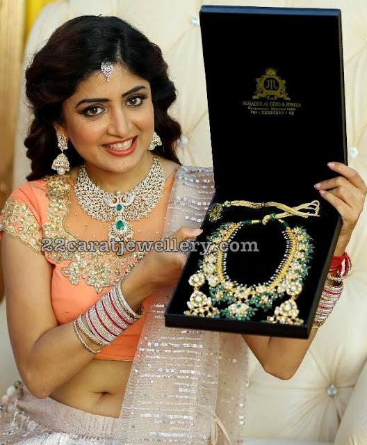 Poonam Kaur Showcasing Guttapusalu Set