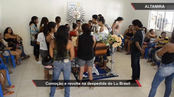População presta última homenagem ao apresentador Lu Brasil