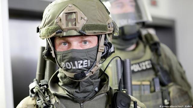 الشرطة الألمانية تصادر أسلحة وذخيرة خلال عملية ضد إسلاميين متطرفين في برلين