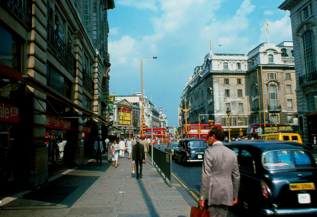 Streets of London in 1976 ~ vintage everyday