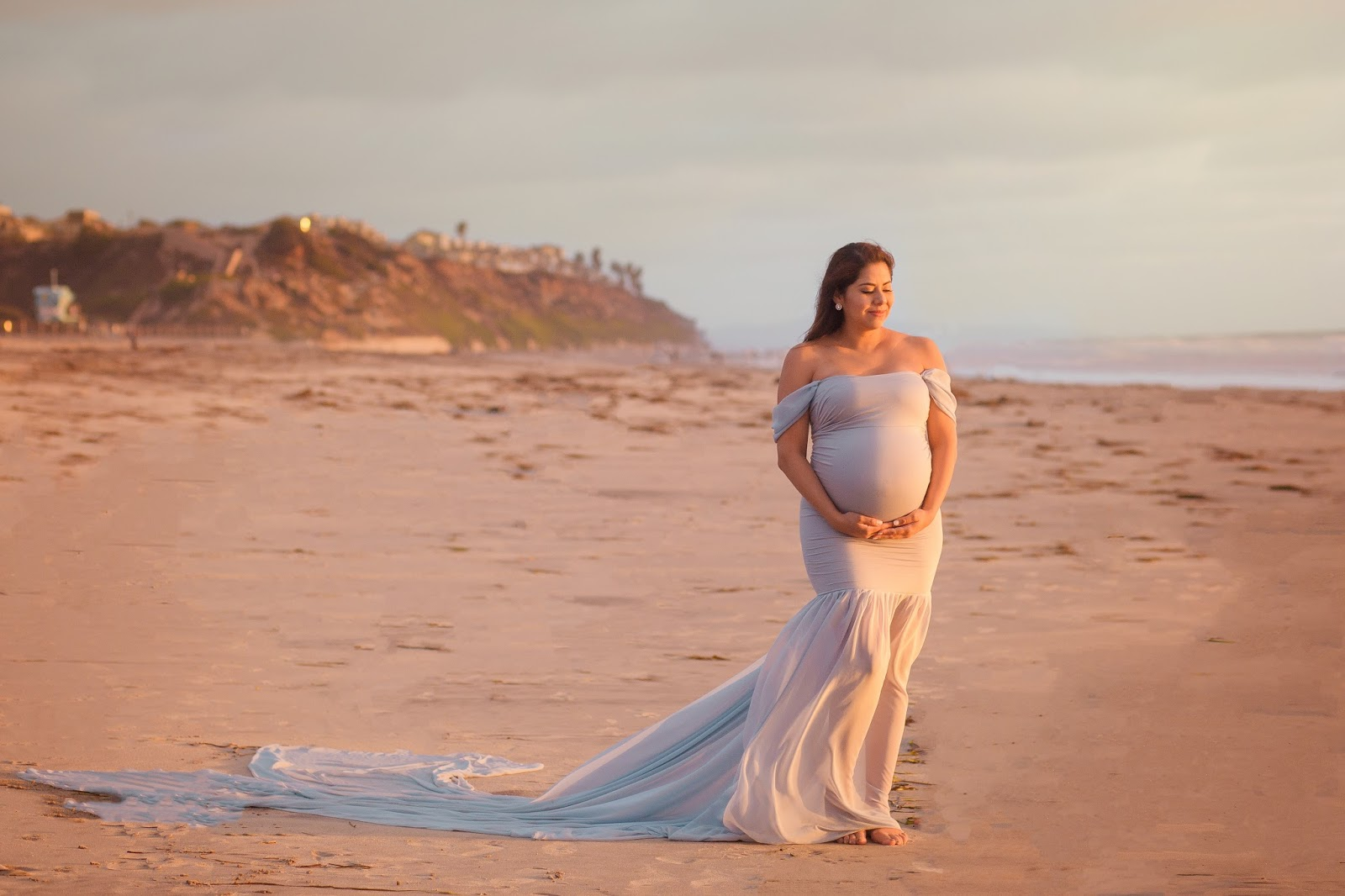 Maternity shoot in so cal, romantic maternity shoot, maternity photo session by the beach