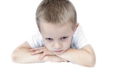 لماذا يعصى الطفل أوامر والديه؟