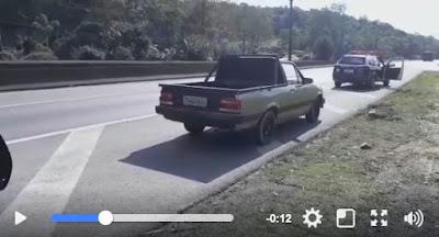 PRF apreende veículo na BR-116 com sinais identificadores adulterados