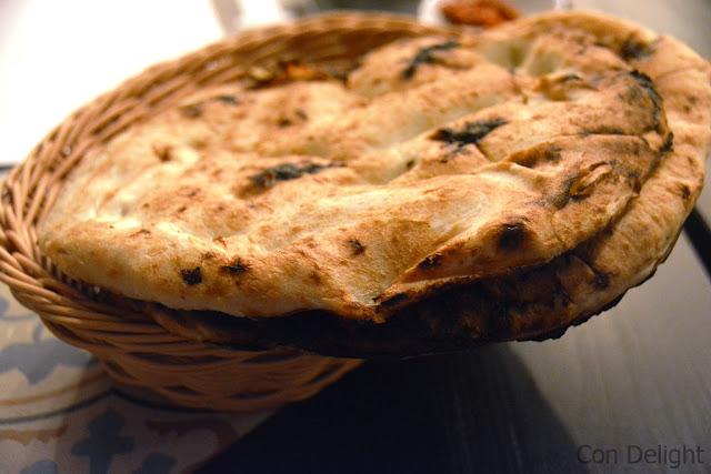 סלוף חם של יאמן סטריט yemen street yemen bread salof
