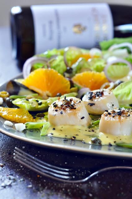 Sevilla-Salat mit Jakobsmuscheln und Riesling