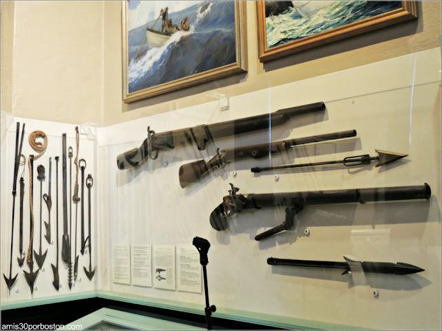 """Exhibición """"Harpoons and Whalecraft"""" en el Museo de las Ballenas de New Bedford"""