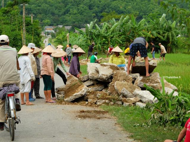 vietnam voyage 15jours mai chau nord montagne riziere villageois route eboulis travaux