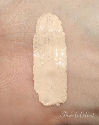 Neve Cosmetics Fondotinta Creamy Comfort Fair Neutral swtach