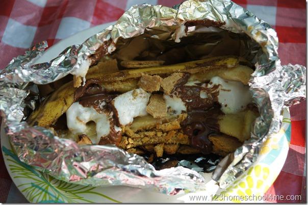 smores-summer-campfire-dessert-recipe