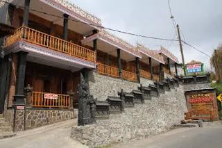 http://www.bromomalang.com/2015/08/hotel-pondok-adas-gunung-bromo.html