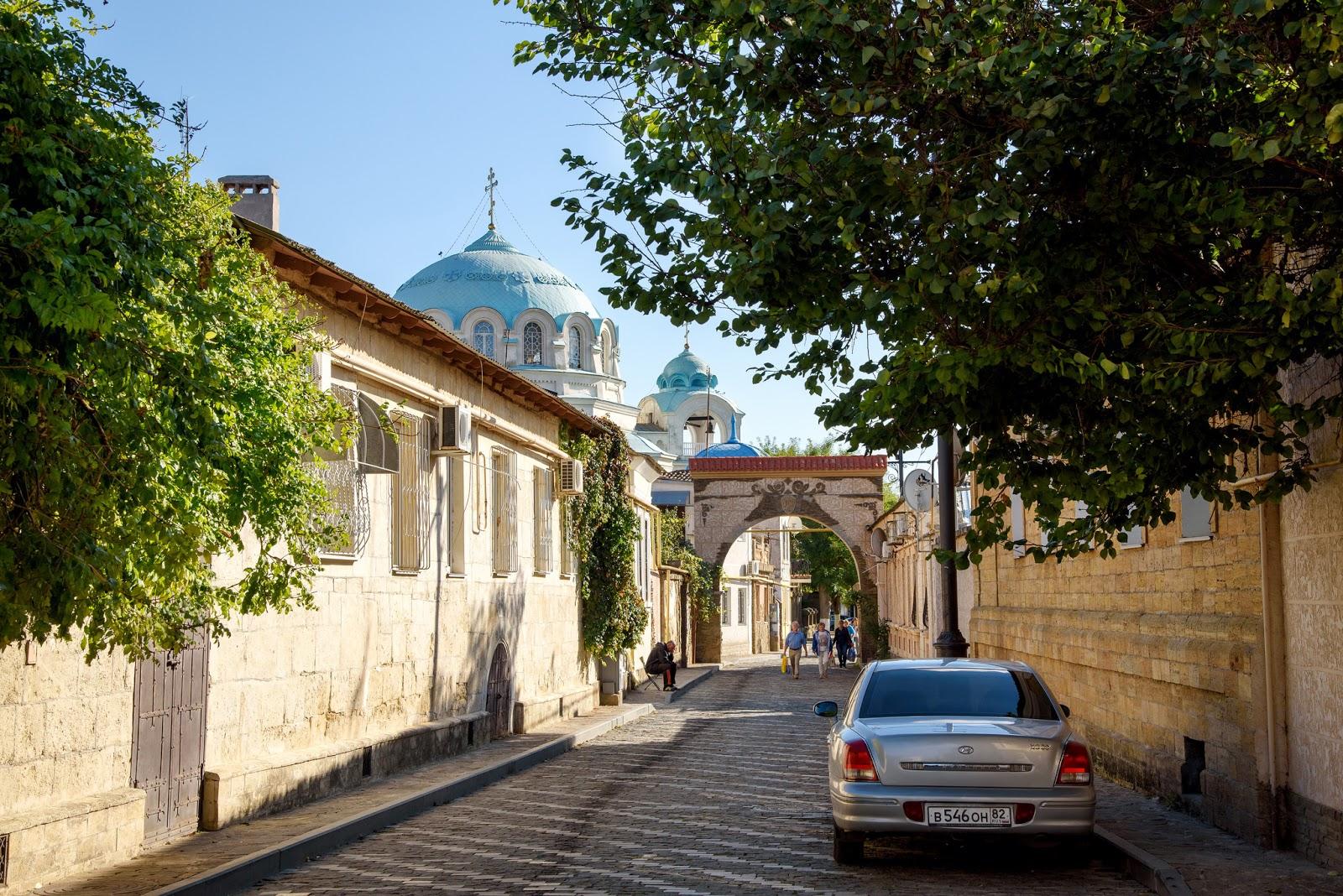 Свято-Николаевский собор и улица Тучина. Евпатория