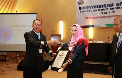 Ketua PDBI Lampung Aprilani Yustin Ficardo Peroleh Penghargaan Kinerja Terbaik Pertama