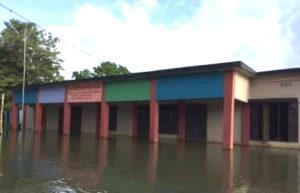 মৌলভীবাজারে পানিবন্দী ১৩৯ শিক্ষাপ্রতিষ্ঠান, পাঠদান বন্ধ