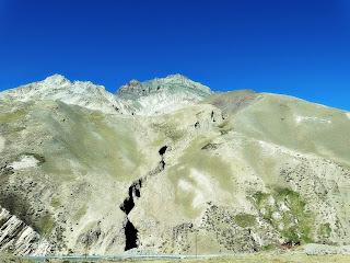 Falha Geológica na Pré-Cordilheira, Mendoza