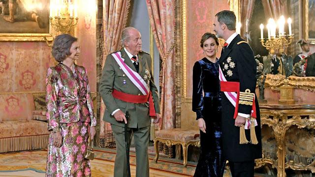 España: Lo que cobrará la Familia real con la subida de sueldo aplicada por Felipe VI