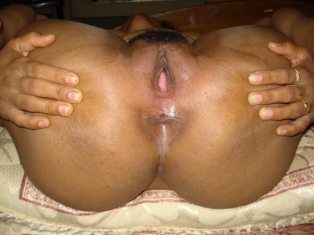Matured South Indian Milf Aunty Showing Big Boobs Ass Hole -4903
