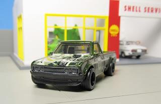Hot Wheels Super Treasure Hunt Datsun pickup