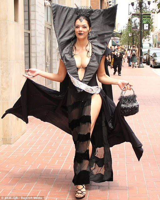adrianne curry cosplay queen cosplay