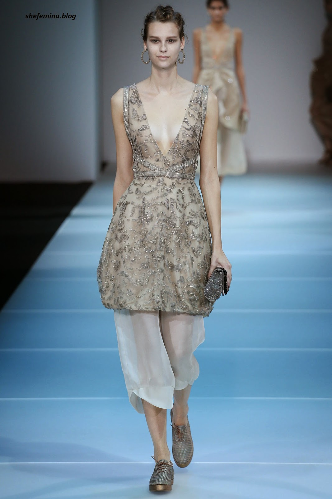 13a17441e089 Giorgio Armani Spring 2015 Ready-to-Wear Dresses Collation at Fashioh Show  Runway