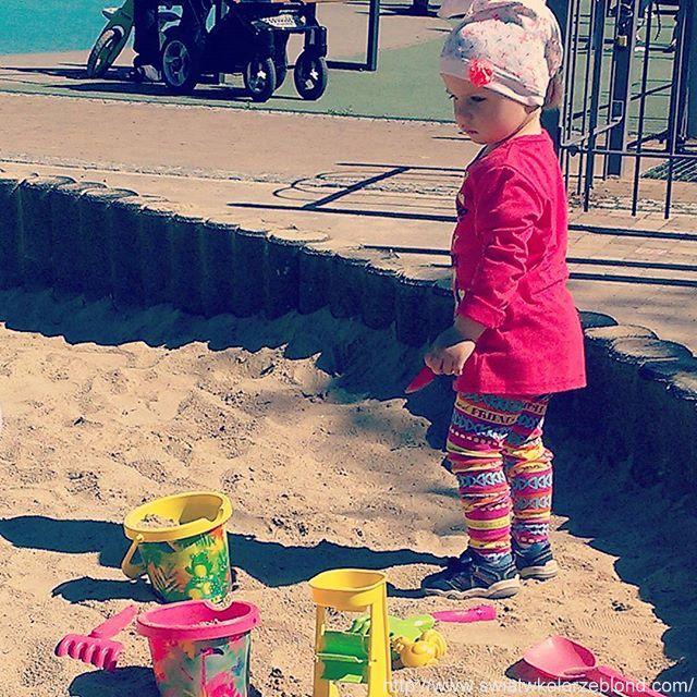 plac zabaw dla dzieci, piaskownica dla dzieci