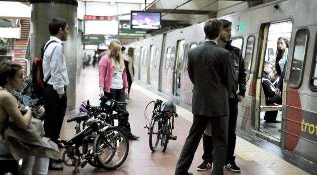 Bicicletas en el subterráneo de Buenos Aires.