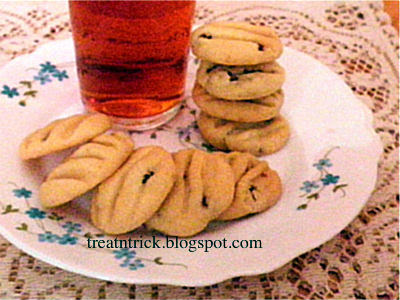 Fruity Cookies Recipe @ treatntrick.blogspot.com