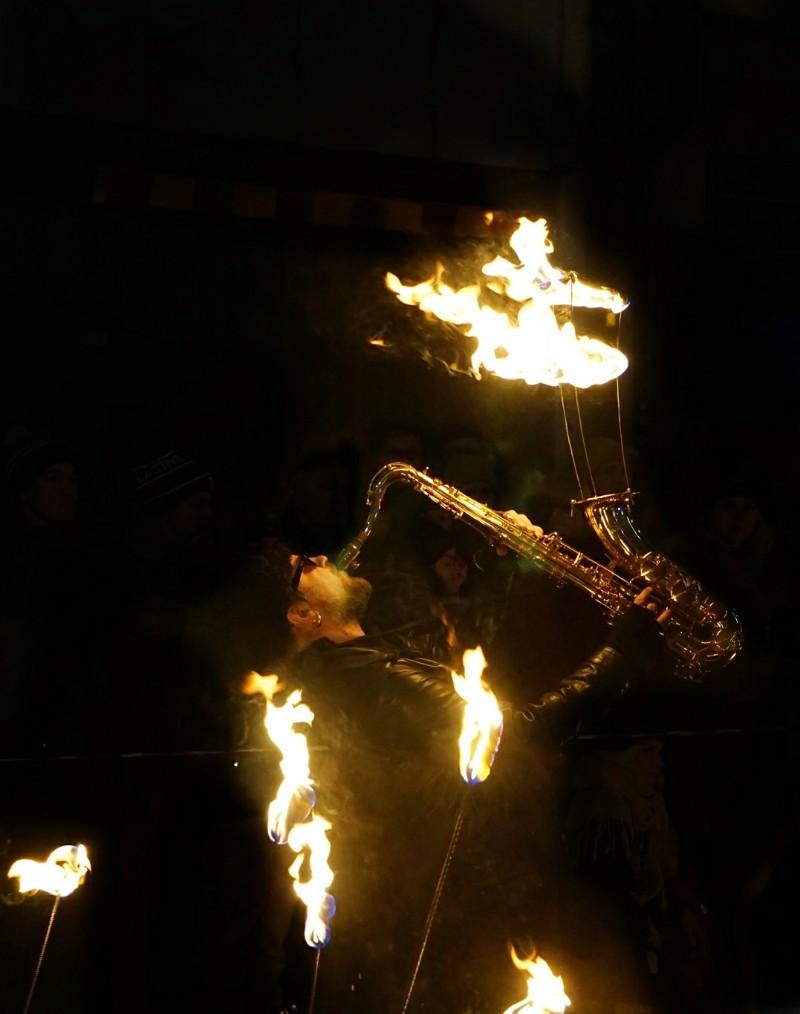 Tulitaide, saksofoni