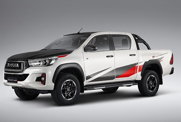 Edicion-especial-Hilux-GR-S-primicia-Toyota-Salon-Internacional-automovil