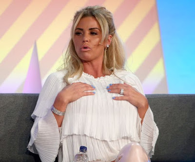 Katie-Price-addresses-delegates-at-the-Festival-of-Marketing (2)