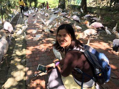 Rina saat berkunjung ke taman burung Kuala Lumpur.