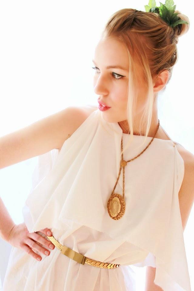Easy Last Minute Costume - Greek Goddess  sc 1 st  Wear The Canvas & Wear The Canvas: Easy Last Minute Costume - Greek Goddess