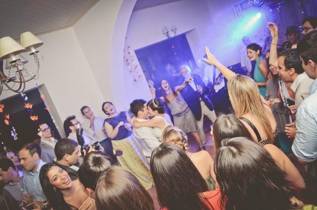 romantico-vintage-noiva-po-arroz-pista-danca