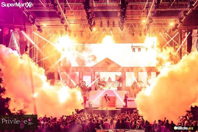 ATL Special FX® Co2 Cryo Smoke Jets Blasting from the Top of a Nightclub www.atlspecialfx.com