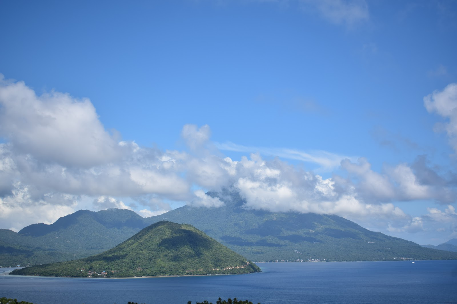view pulau maitara dan tidore